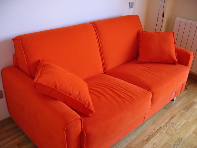 Apartment_size_sofa
