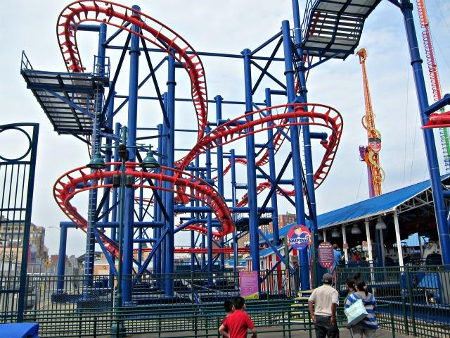 Coney-island-luna-park-scream-zone-2