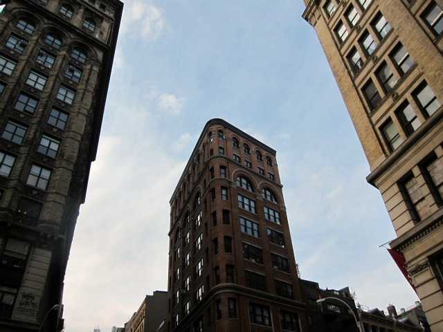Manhattan-rental-apartments-paying_rent-credit_score