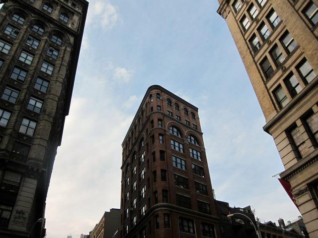 Manhattan-rental-apartments-paying_rent-credit_score