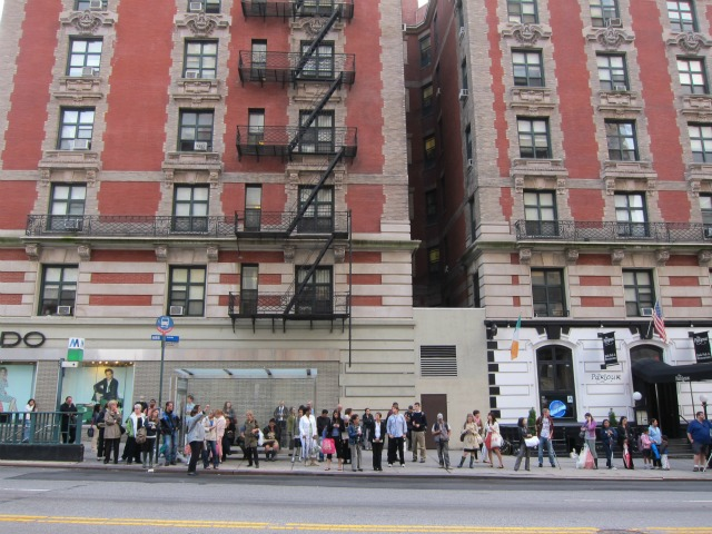 Uws-rental-apartment-crowded